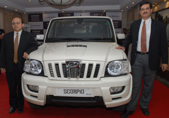 General Manager Gaurav Saxena (Left) and Senior Vice President Arun Malhotra at the launch of new Scorpio in New Delhi