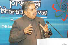 Minister of Overseas Indian Affairs Vayalar Ravi addressing the press on the 5th Pravasi Bharatiya Divas-2007 in New Delhi on Jan 5, 2007.